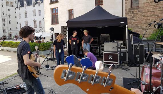Technicien_Lors_Fete_De_La_Musique_Nantes_Chateau