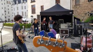 Scene_Avec_Groupe_Musique_Chateau_de_Nantes_Fete_Musique